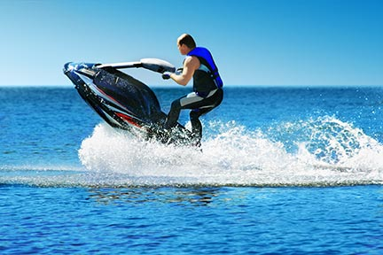 Many people like to do tricks on jet skis, however, these tricks often lead to injuries and boating accidents. Call a Grand Prairie boat accident attorney today to discuss your options.